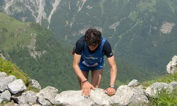 A mountain runner in the Carnia Skyrace (Copyright © 2012 runinternational.eu)
