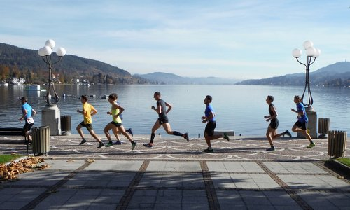 Casinolauf, Velden am Wörther See, Austria - runners on the lakeside promenade of the Wörthersee in Velden (Photo: Copyright © 2017 Hendrik Böttger / runinternational.eu)