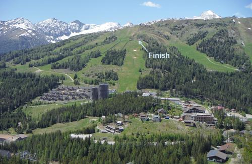 The finish line of the Katschberglauf mountain race is at the Gamskogelhütte in the Katschberg ski area in Austria (Photo: Copyright © 2020 Hendrik Böttger / runinternational.eu)