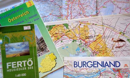 Maps of the Neusiedler See and the Burgenland in Austria (Photo: Copyright © 2018 Hendrik Böttger / runinternational.eu)