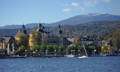Velden am Wörthersee, the Ossiacher Tauern hill range and Mount Gerlitzen, Austria (Copyright © 2016 Hendrik Böttger / runinternational.eu)