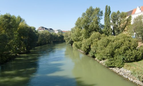The Donaukanal in Wien as seen from Erdberger Steg (Copyright © 2018 Hendrik Böttger / runinternational.eu)