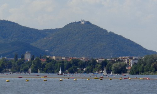 The Leopoldsberg as seen from the Alte Donau in Vienna, Austria (Copyright © 2017 Hendrik Böttger / runinternational.eu)