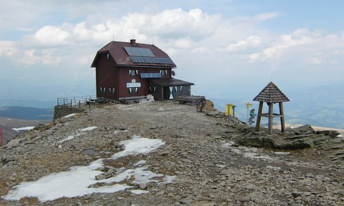 Zirbitzkogel Schutzhaus, the oldest mountain hut in the Steiermark in Austria (Copyright © 2018 Hendrik Böttger / runinternational.eu)