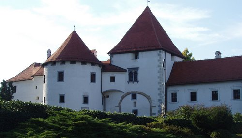 Varaždin Castle, Croatia (Author: Zumbulka~commonswiki (assumed) / Source: commons.wikimedia.org / public domain)