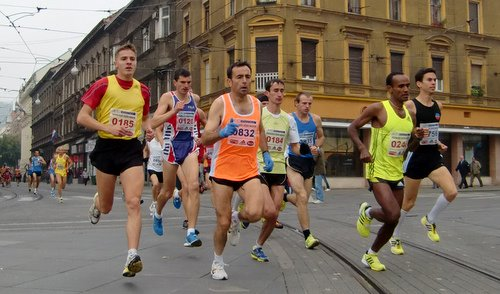 Zagreb Marathon 2010 - the leading group (Copyright © 2010 runinternational.eu)