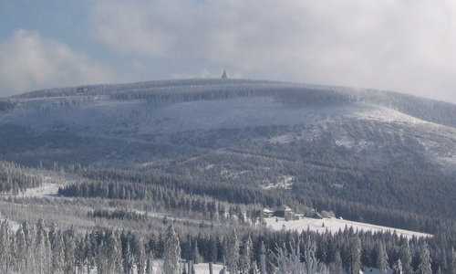 Černá hora, Krkonoše, Czech Republic, in the winter (Author: Jan Němec / commons.wikimedia.org / public domain / photo cropped by runinternational.eu)