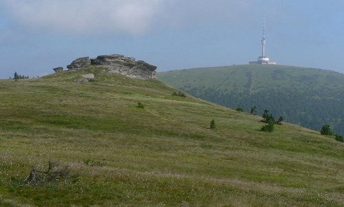 Jesenický maraton, Czechia - The route offers great views of the Petrovy kameny and of Mount Praděd (Photo: commons.wikimedia.org / Author: Martin Vavrik / Public Domain)