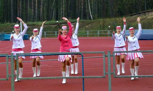 KVOK half marathon - majorettes on the athletics track of Kolín, Czech Republic (Copyright © 2017 Hendrik Böttger / runinternational.eu)