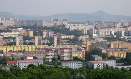 View of Most from Ressl hill (Author: David Zuna / commons.wikimedia.org / Public Domain / Photo modified by runinternational.eu)