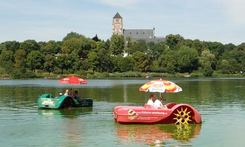 Pedalos (Tretboote) on the Schlossteich in Chemnitz, Germany (Copyright © 2016 Hendrik Böttger / runinternational.eu)