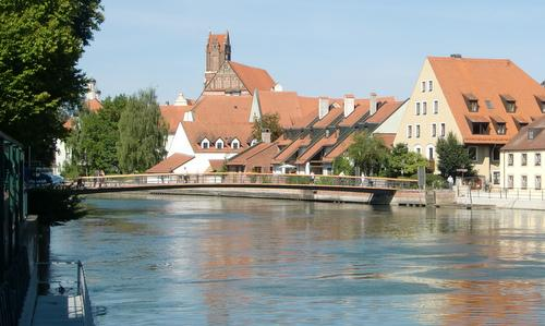 Landshut läuft - the River Isar in the city centre of Landshut (Copyright © 2015 Hendrik Böttger / runinternational.eu)