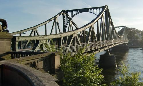 The Glienicke Bridge (Glienicker Brücke) connects the cities of Potsdam and Berlin in Germany (Copyright © 2016 Hendrik Böttger / runinternational.eu)