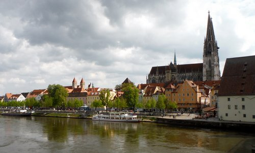 The Old Town of Regensburg with the Cathedral (Copyright © 2014 Hendrik Böttger / runinternational.eu)