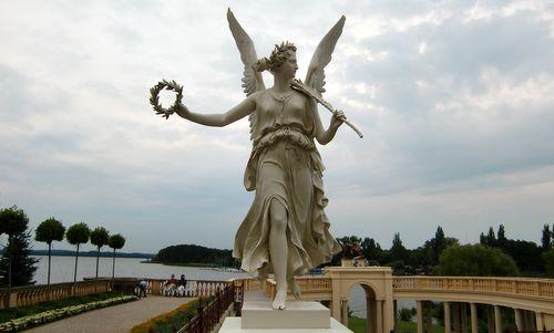 Statue of Nike at the Schwerin Castle (Copyright © 2012 runinternational.eu)