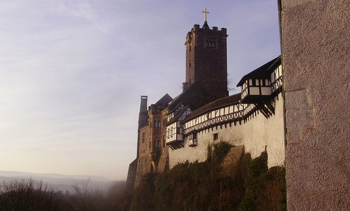 Wartburg, Eisenach, Germany (Author: Zairon / commons.wikimedia.org / Creative Commons CC0 1.0 Universal Public Domain Dedication / photo modified by runinternational.eu)