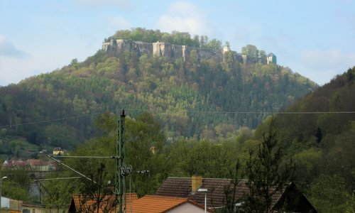 Königstein Fortress, as seen from the distance  (Copyright © 2015 Hendrik Böttger / runinternational.eu)