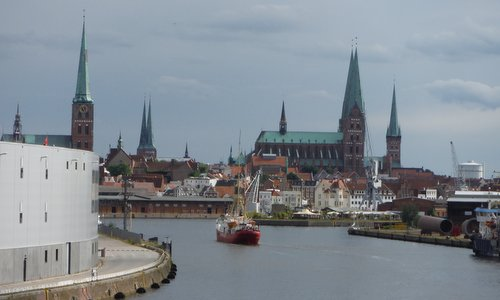 Lübeck, the River Trave and the Fehmarnbelt Lightship (Copyright © 2016 Hendrik Böttger / runinternational.eu)