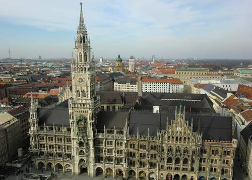 Neues Rathaus, Munich, Germany (Copyright © 2015 Anja Zechner / runinternational.eu)