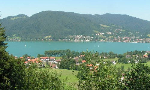 Tegernsee, Germany (Author: Dolos at German Wikipedia / public domain / photo cropped by runinternational.eu)