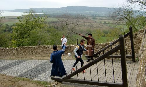 Várfutás, Szigliget, Hungary - The finish line is at the entrance to Szigliget Castle (Photo: Copyright © 2018 Hendrik Böttger / runinternational.eu)