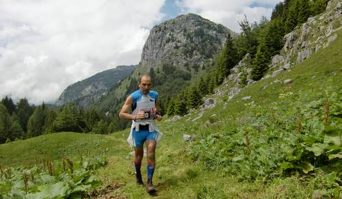 Skyrace Carnia 2011, the descent from Pal Piccolo (Copyright © 2011 runinternational.eu)