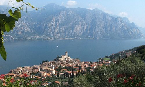 Malcesine, Lake Garda, Italy (Photo: Ciccius 88 / Wikimedia Commons / Public Domain)