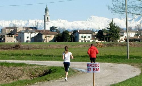 Alla Scoperta del Fiume Stella, Teor, Italy - great views of the Alps (Copyright © 2015 Hendrik Böttger / runinternational.eu)