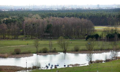 Leśny Park Kultury i Wypoczynku, Bydgoszcz, Poland (Photo: from Wikimedia Commons, modified; Author: Pit1233; Public Domain)