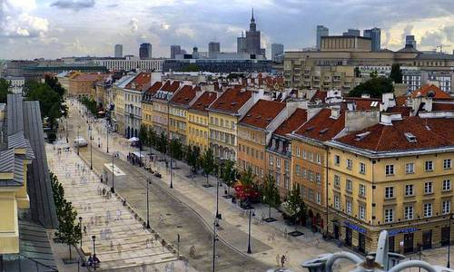 Krakowskie Przedmieście Royal Avenue, Warsaw, Poland (Photo from: Wikimedia Commons; Author: Slawk L, Public Domain)