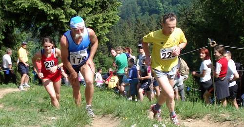 16-year-old Tina Kozjek (number 29) with a strong finish in the Osolnik mountain race in Slovenia