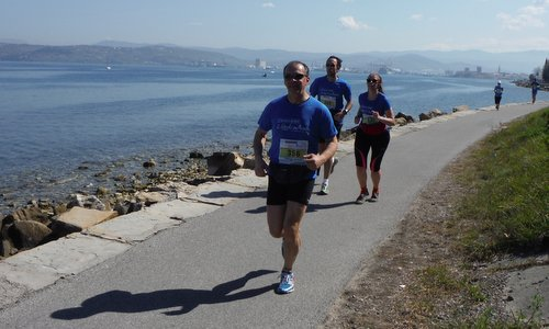 Istrski maraton, Slovenia - the route between Izola and Koper (Copyright © 2015 Hendrik Böttger / runinternational.eu)