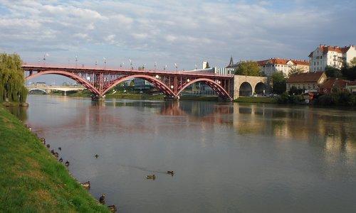 Glavni most, Maribor, Slovenia (Copyright © 2014 Hendrik Böttger / runinternational.eu)