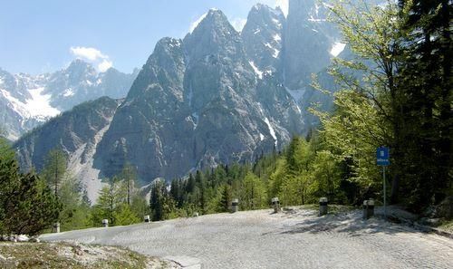 Vršič mountain pass road, Slovenia (Photo: runinternational.eu)
