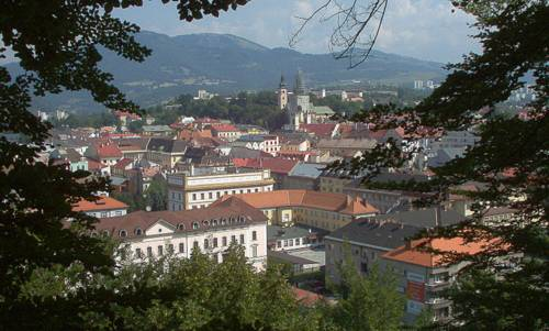 Banská Bystrica, Slovakia (Author: Twisp / commons.wikimedia.org / public domain / photo modified by runinternational.eu)