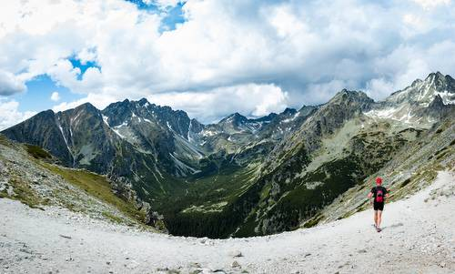 Tatry Running Tour, Štrbské Pleso, Slovakia - The route offers wide panoramic views of the High Tatras (Copyright © 2017 Tatry Running Tour)