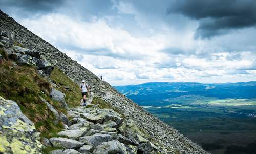 Tatry Running Tour, Štrbské Pleso, Slovakia - runners in the High Tatras (Copyright © 2017 Tatry Running Tour)