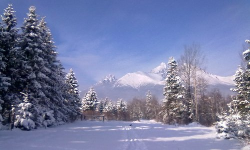 Winter in the High Tatras, Slovakia (Copyright © 2013 Sport Tatry; photo modified by Run International EU)